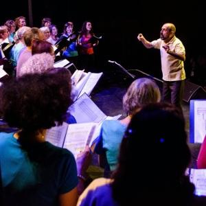 La chorale Rythme et Chansons au concert du Téléthon. Thiais 2013.
